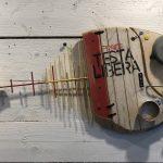 Pesce Testa Libera, scultura in legno di recupero, cm 25x70