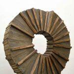 Segnata dalla luce, scultura in legno di recupero, cm 68x17