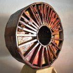 Rota di luce, scultura in legno di recupero, cm 87x33